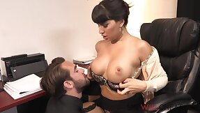 Mercedes Carrera In the chips Costs Nearby View with horror The Boss